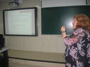 Ángela Ribeiro durante su explicación